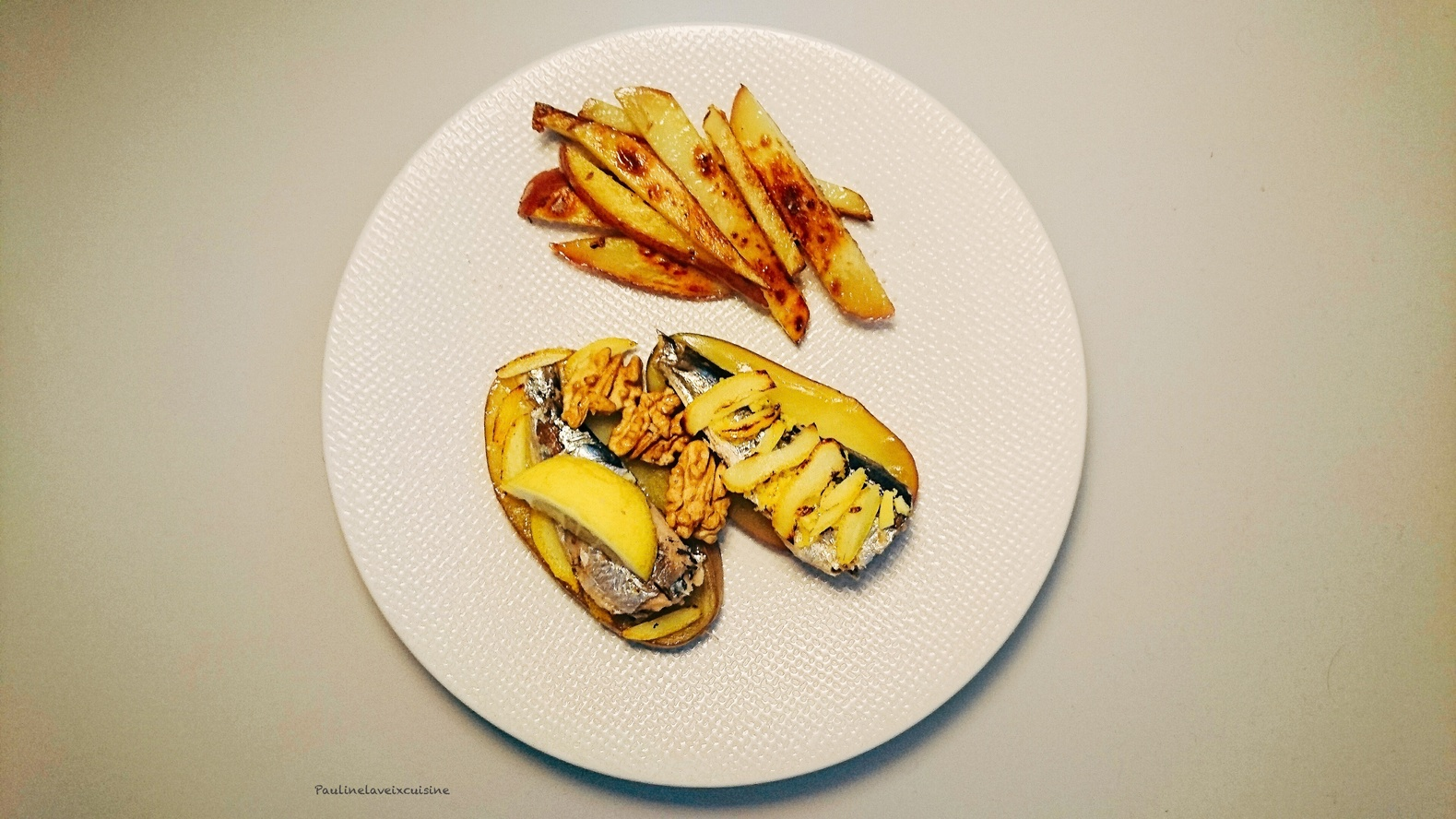Tartines de sardines  citron gingembre noix et frites