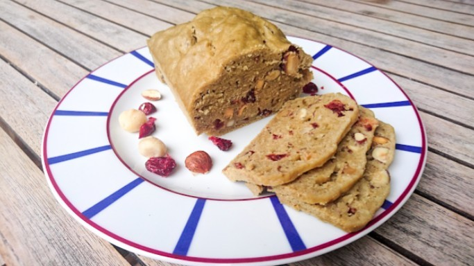Cake amandes  macadamia  noisettes  cranberries