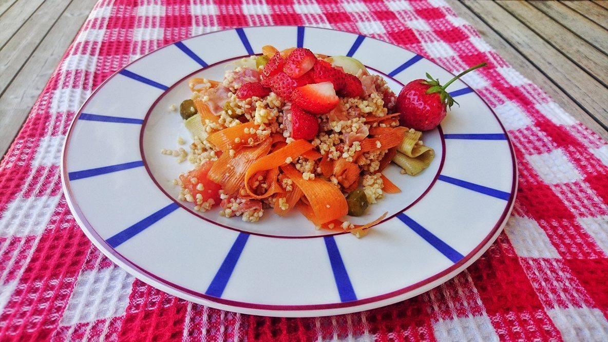 Salade colore%cc%81e de millet %28 fraises etc%29