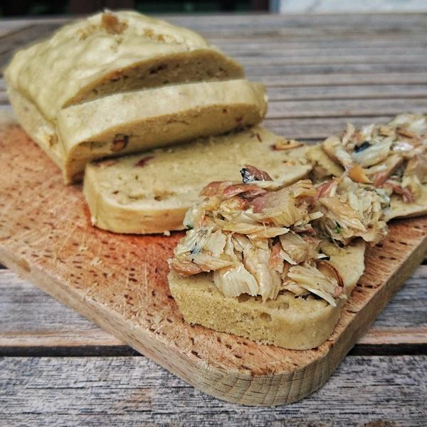 Cake aux amandes rillettes le%cc%81ge%cc%80res de maquereau