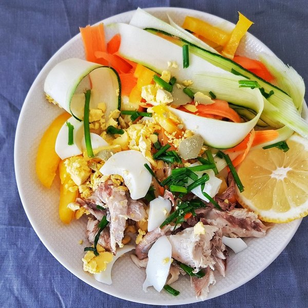 Salade de mquereau  oeuf dur  pommes de terre